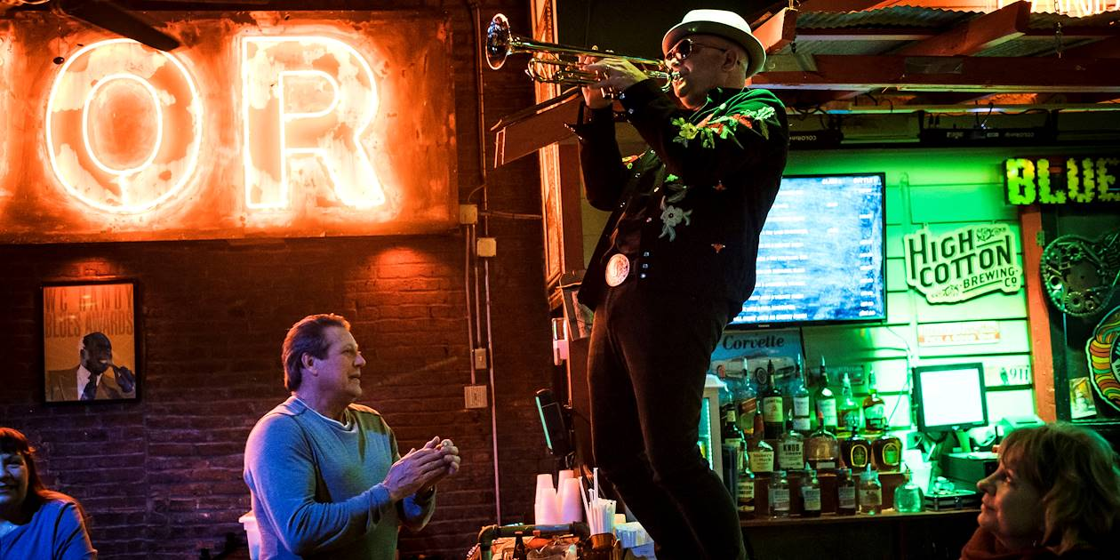 Concert de blues dans un bar de Memphis - Tennessee - Etats Unis
