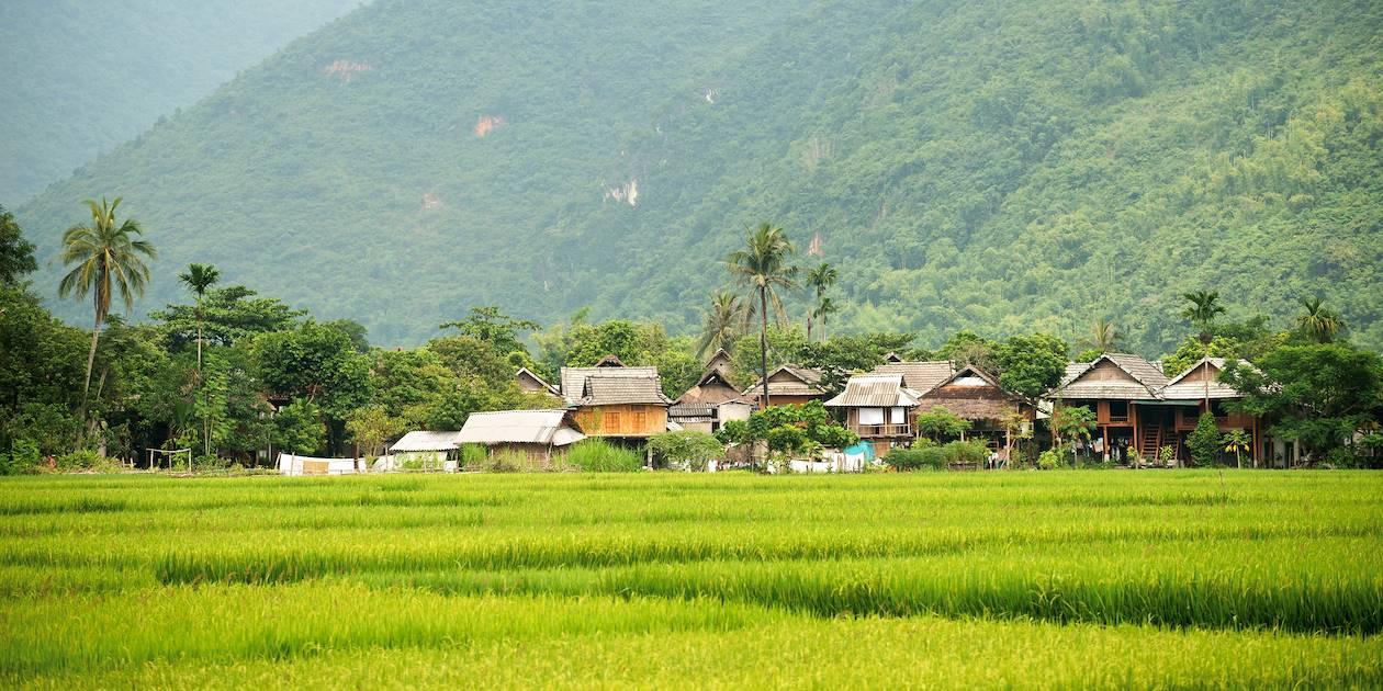 Village dans la vallée de Mai Chau - Mai Chau - Vietnam