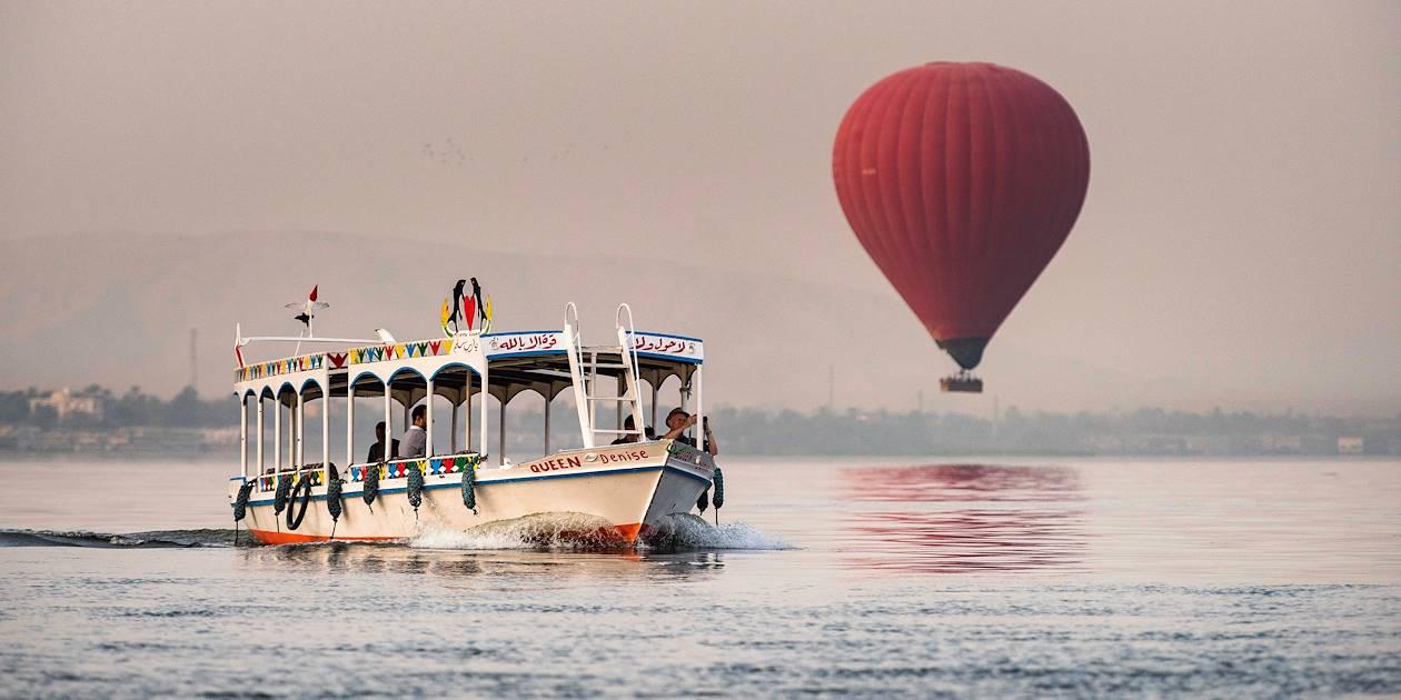 Montgolfières au dessus du Nil - Louxor - Égypte