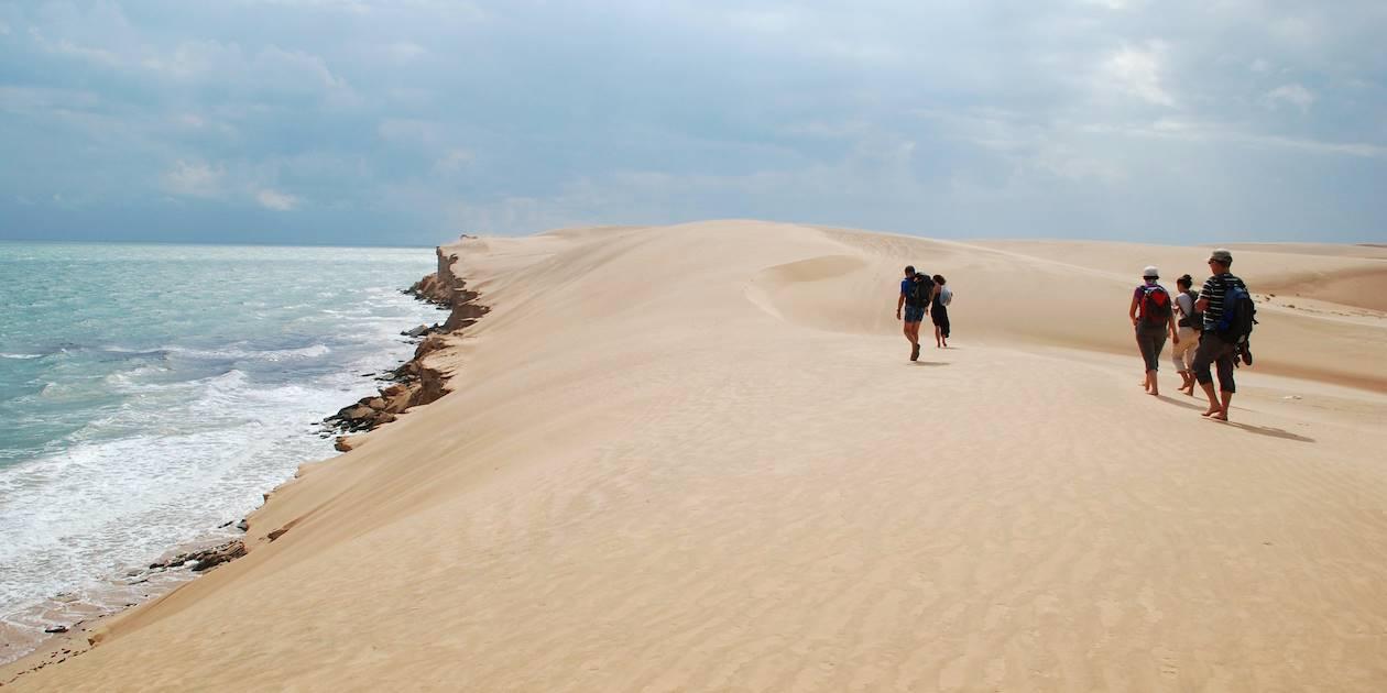 Randonnée en bord de mer près de Fins - Oman
