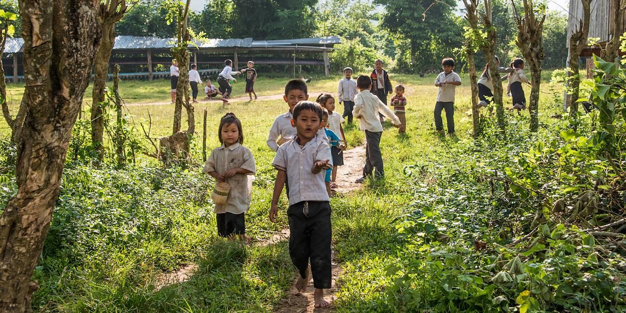 Enfants à Ban Hat Chanh - Province de Luang Prabang - Laos