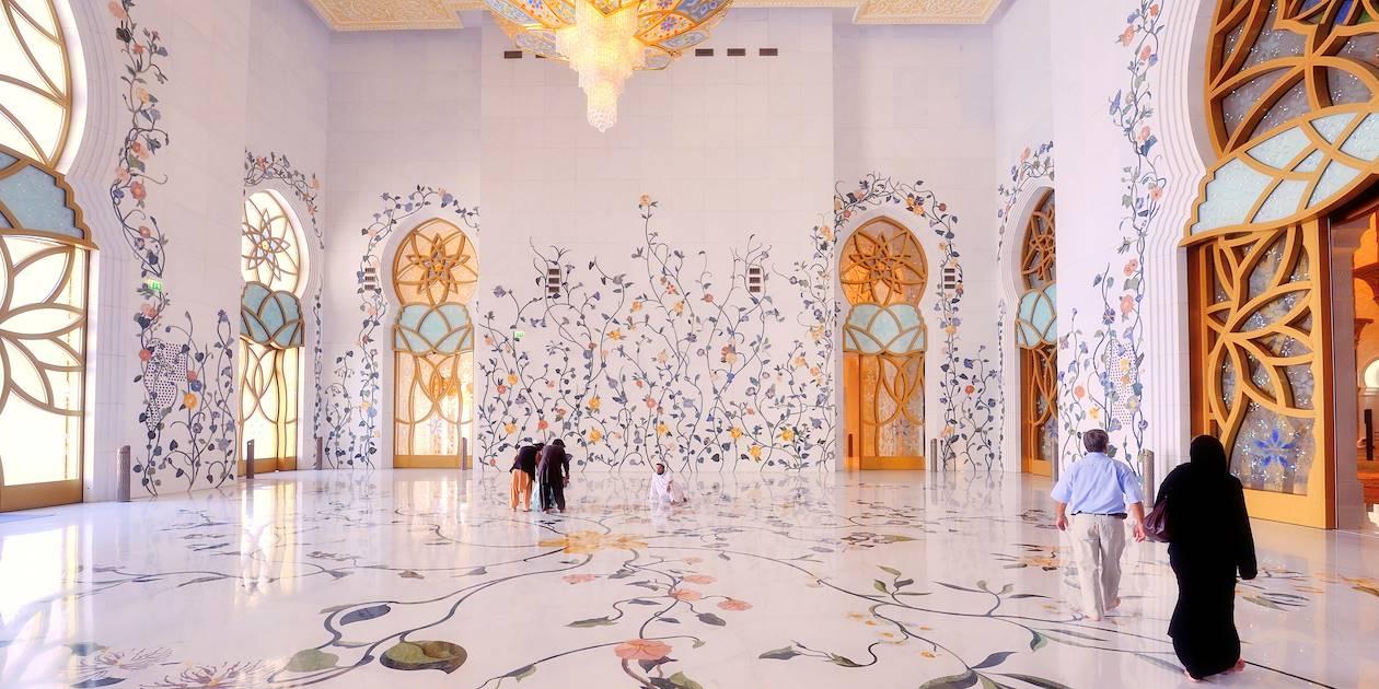 Intérieur de la mosquée Cheikh Zayed - Abou Dhabi - Emirats Arabes Unis
