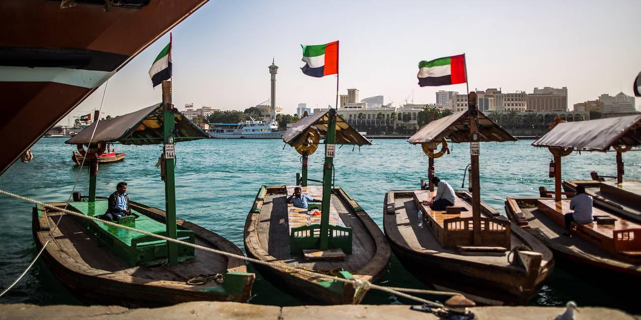 Traversée de la crique en barque traditionnelle - Dubaï - Emirats Arabes Unis