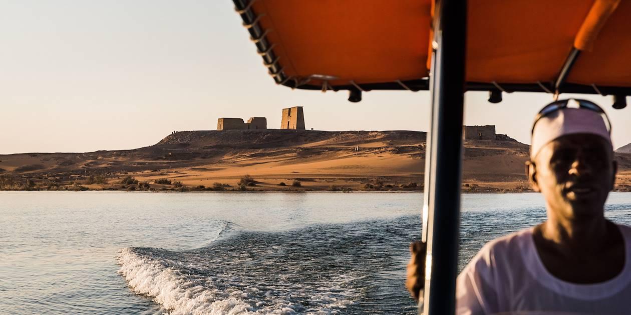 Le Temple de Dakka, vu depuis le Lac Nasser - Dakka - Égypte