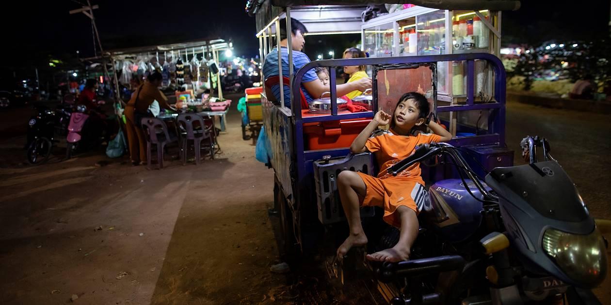 En famille, sur la Route 60 - Siem Reap - Cambodge