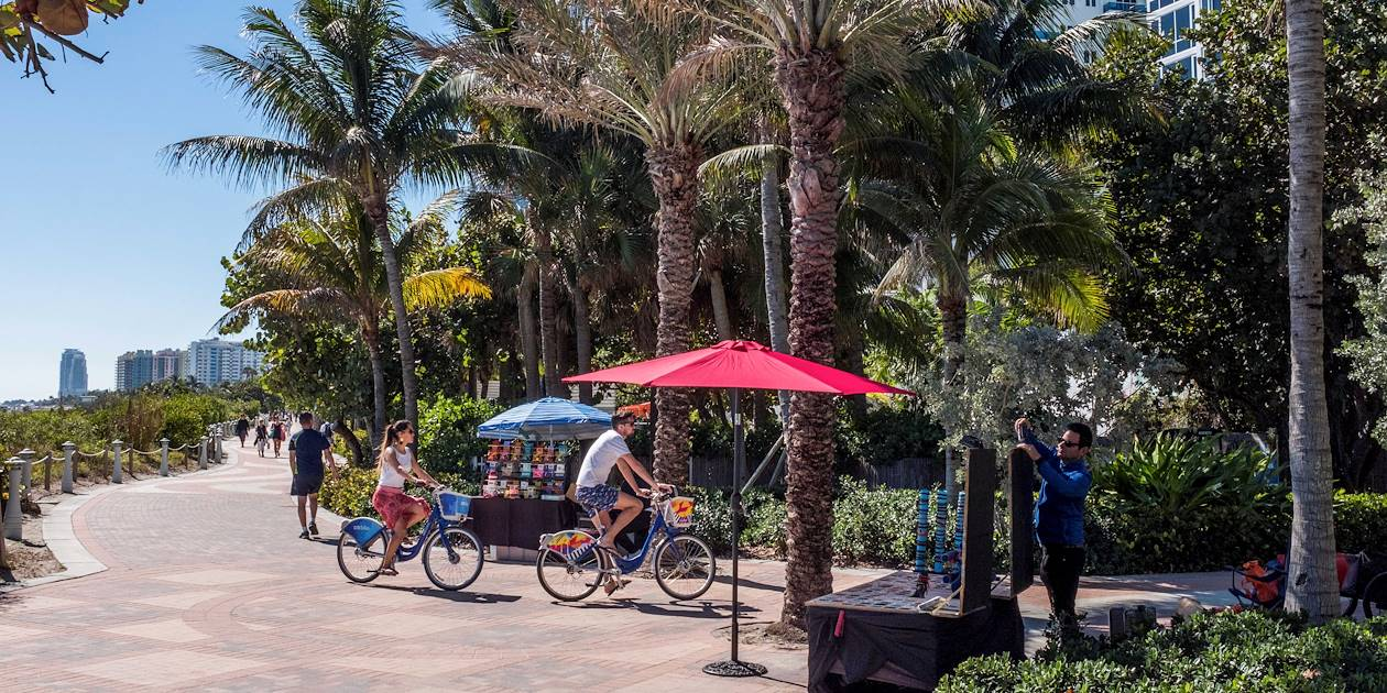 Balade en vélo sur la digue de South Beach - Miami Beach - Floride - Etats-Unis