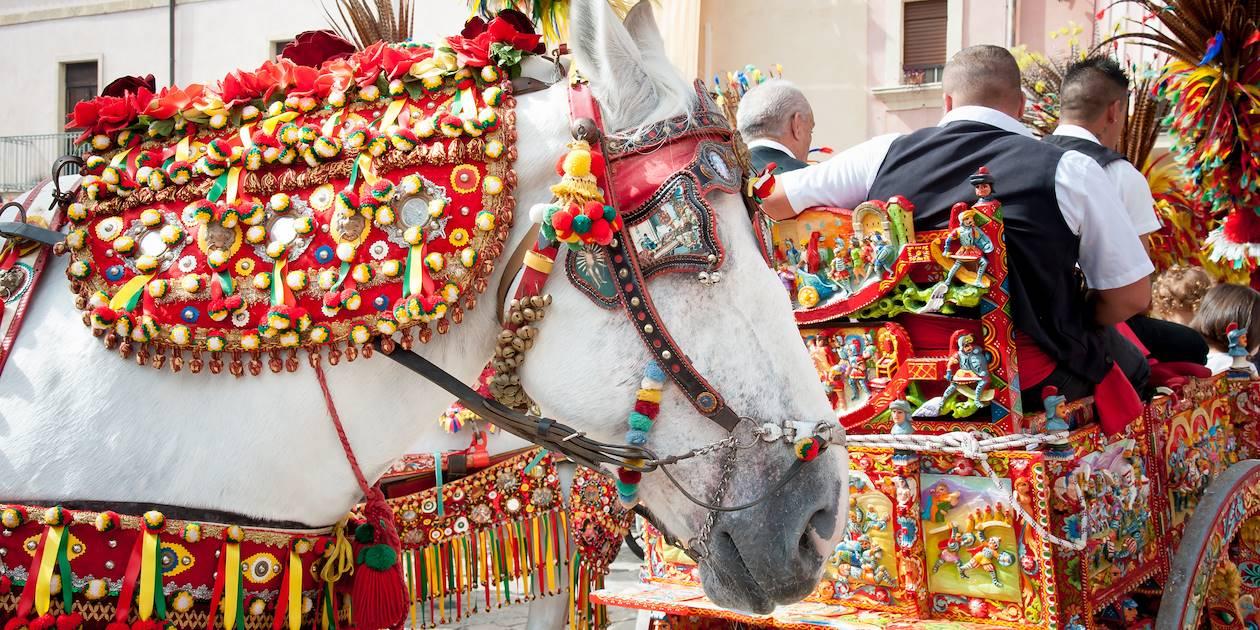 Charrettes et ornements traditionnels de Sicile - Italie