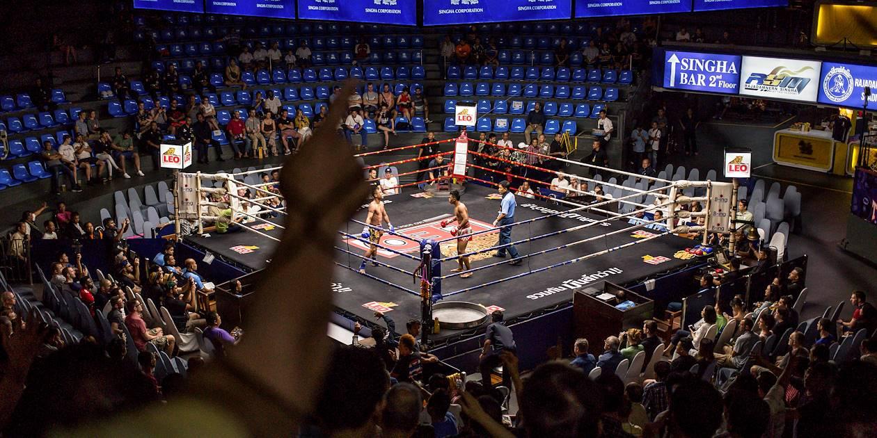 Match de boxe thaïe au Stade du Rajadamnoen - Bangkok - Thaïlande