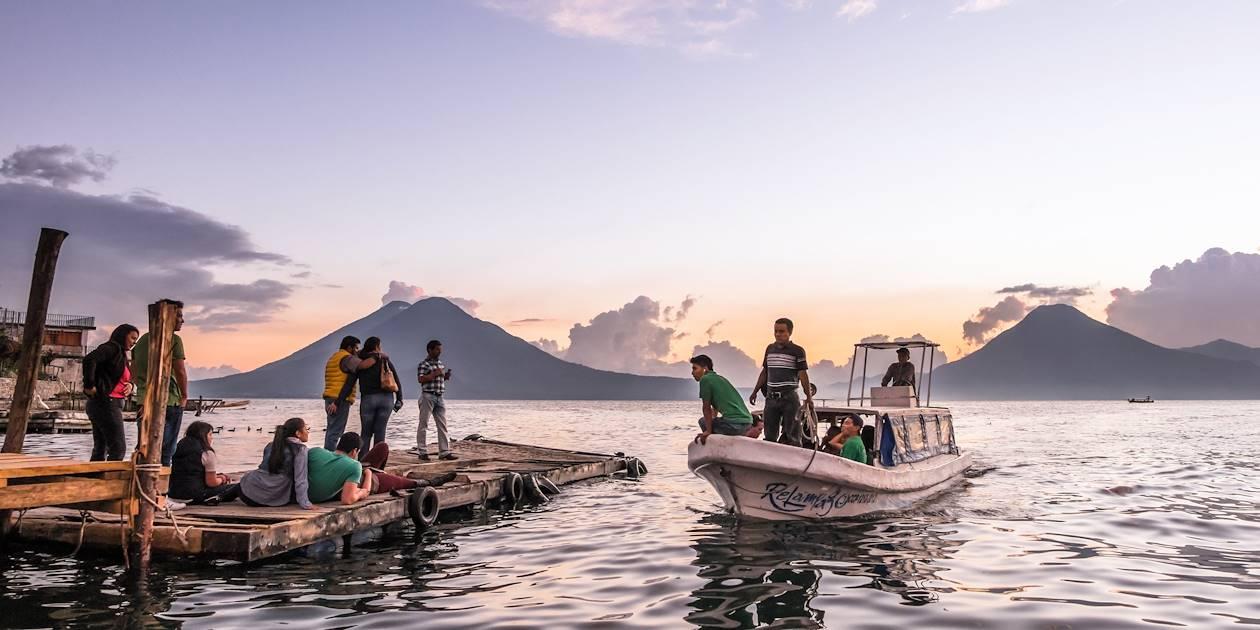Panajachel sur les rives du lac Atitlan, département de Solola - Guatemala