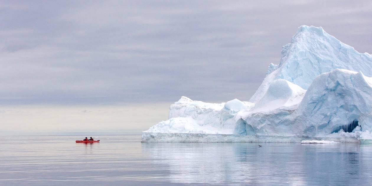 Découverte de la banquise en kayak - Île de Baffin - Inlet Pond - Nunavut - Canada