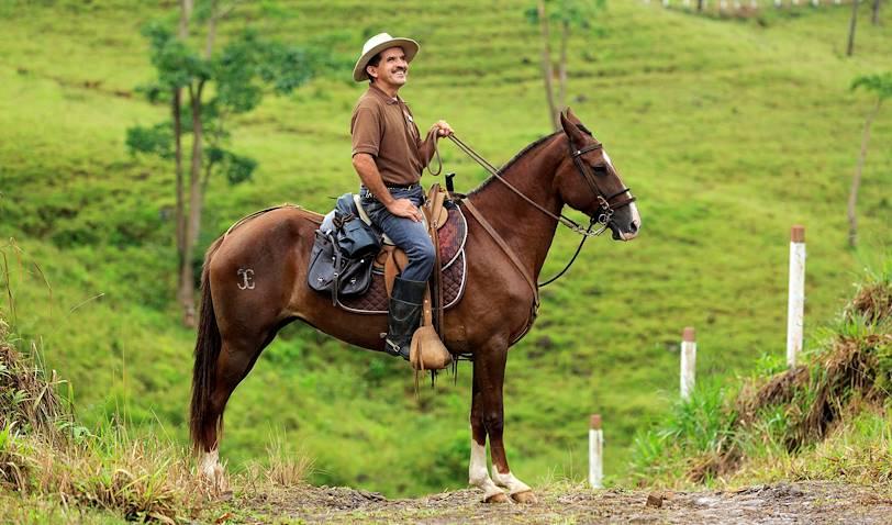 Homme à cheval près d'une hacienda - Santa Teresa - San José - Costa Rica