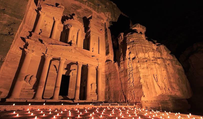 Le Khazneh, by night - Petra - Jordanie