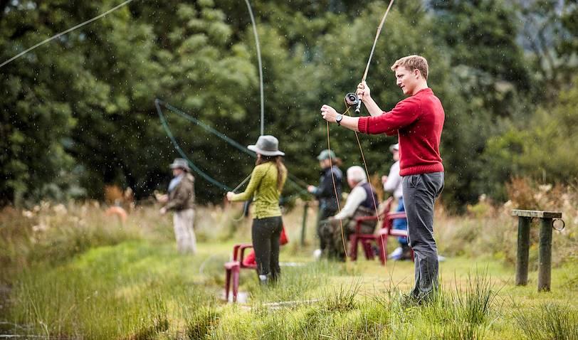 Pêche sur le Loch Achray - Parc national du Loch Lomond et des Trossachs - Ecosse