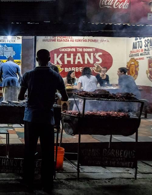 Dîner au Khan's Barbecue - Arusha - Nord - Tanzanie