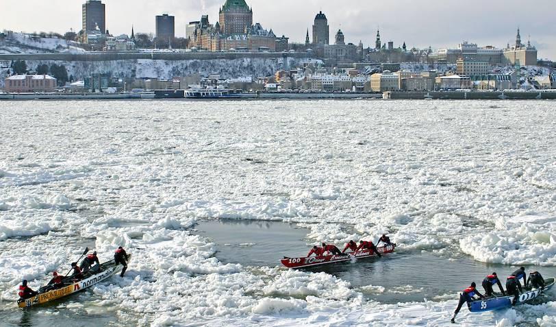 Canot à glace sur le fleuve Saint-Laurent - Québec - Canada