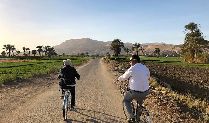 Balade à vélo dans la campagne à Louxor - Egypte