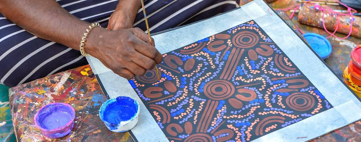 Dot Painting - Atelier de peinture aborigène - Ayers Rock - Australie