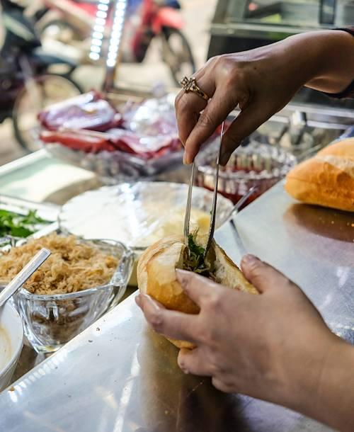 Street food dans les rues d'Hanoi - Hanoi - Vietnam