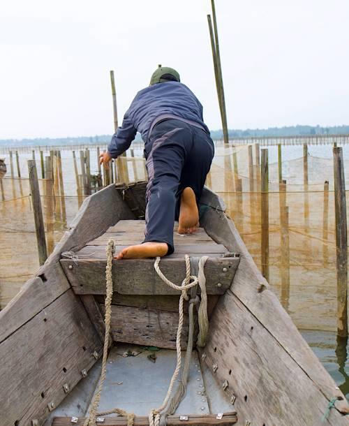 La lagune de Tam Giang : découverte du métier de pêcheur à bord d'une embarcation traditionnelle - Hué - Vietnam