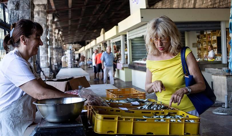 Produits de la mer sur le marché de Kotor - Monténégro