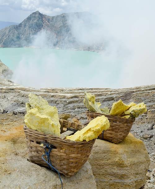 Soufre - Volcan Kawah Ijen - Île de Java - Indonésie
