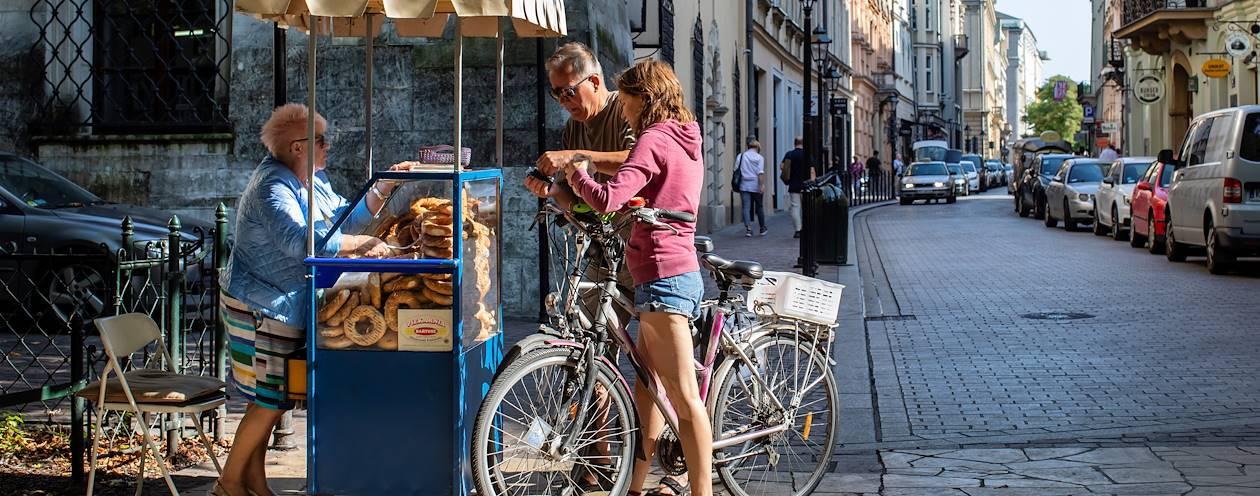 Bretzel dans une rue de Cracovie - Pologne