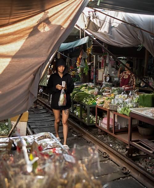 """Dans les rues de Bangkok : le marché """"flip flop"""" - Bangkok - Thaïlande"""
