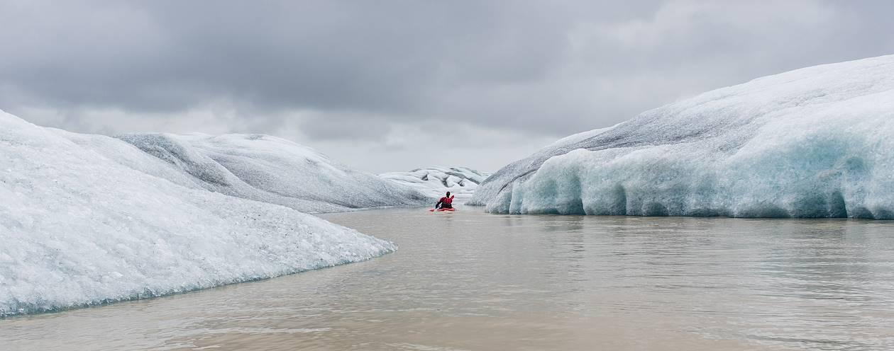 Kayak sur la lagune de Heinabergsjokull - Hofn - Islande