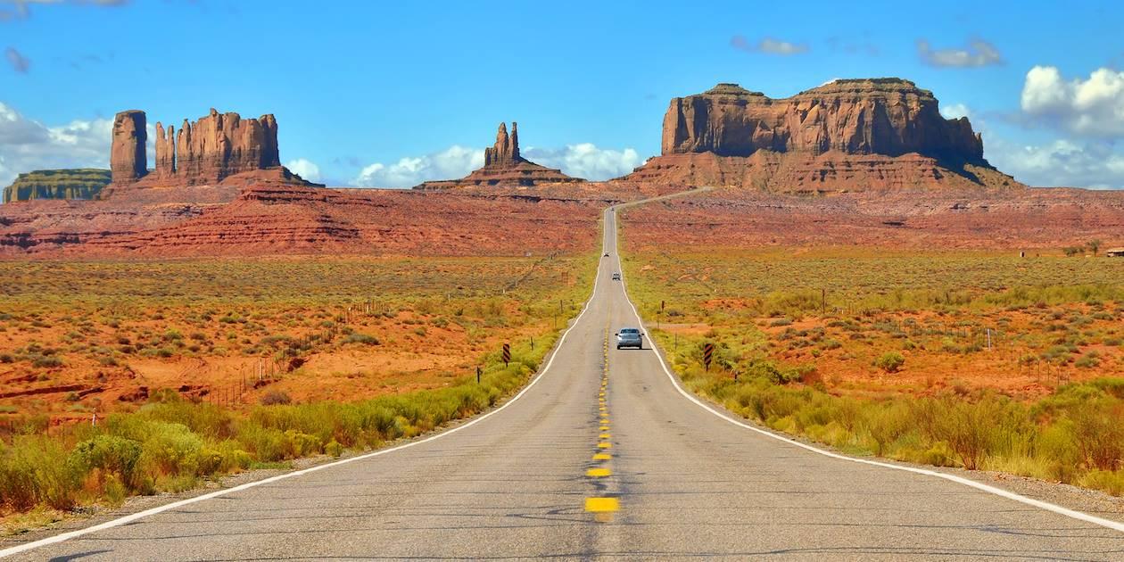 La route US 163 vers Monument Valley - Arizona / Utah - États-Unis