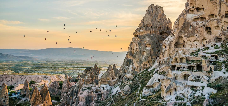 Lever de soleil sur Uchisar - Cappadoce - Turquie