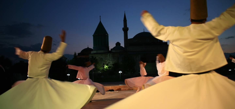 Derviches tourneurs au Musée de Mevlâna - Konya - Turquie