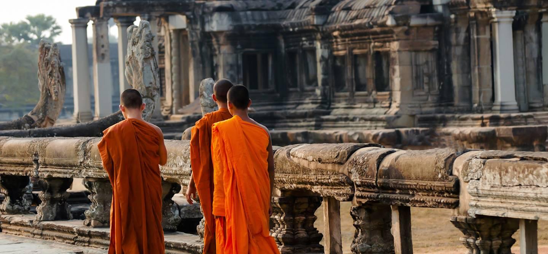 Jeunes moines dans le complexe d'Angkor - Siem Reap - Cambodge
