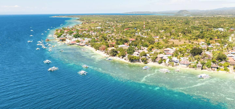 Vue aériene du site de Moalboal réputé pour la plongée - Moalboal - Cebu - Philippines