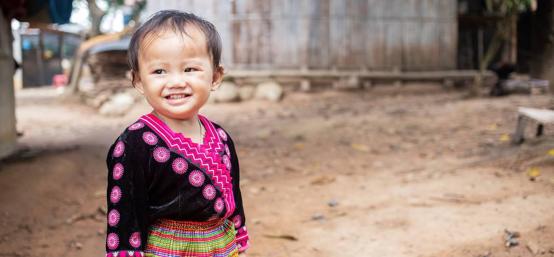 Portrait d'une petite fille Hmong - Vietnam