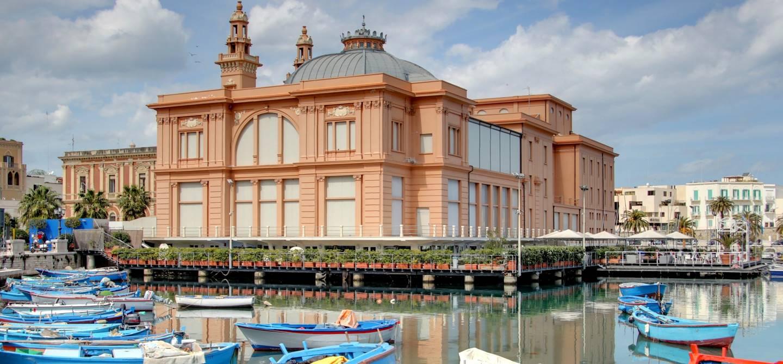 Théâtre Margherita - Port de Bari - Italie