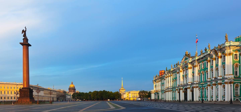 Place du Palais - St Petersbourg - Russie