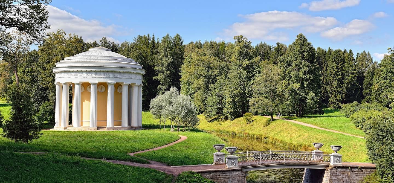 Pavillon dans le parc Pavlovsk - Saint-Pétersbourg - Russie