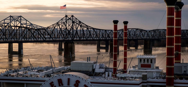 Bateau à vapeur sur le fleuve Mississippi - Vicksburg - Mississippi - Etats Unis