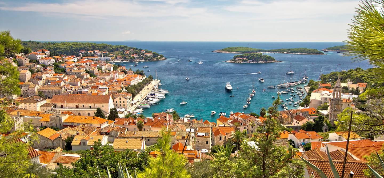 Vue sur les îles Pakleni - Croatie