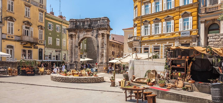 Arc des Sergius - Pula - Istrie - Croatie