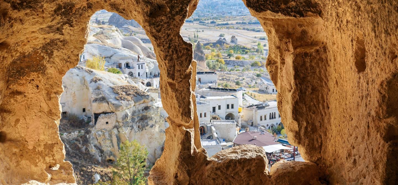 Vue depuis l'église Saint-Jean-Baptiste sur Cavusin - Cappadoce - Turquie