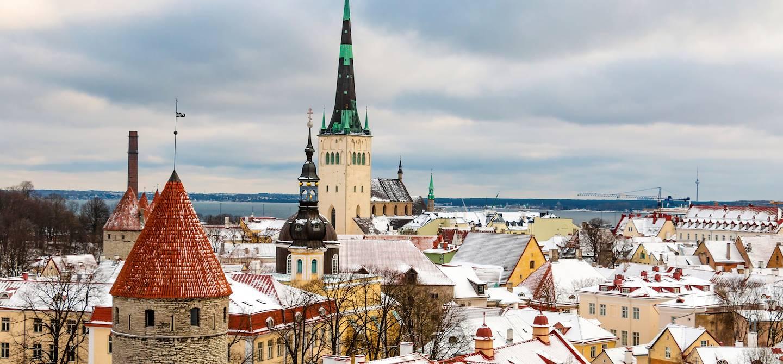 Panorama de Tallinn sous la neige - Estonie