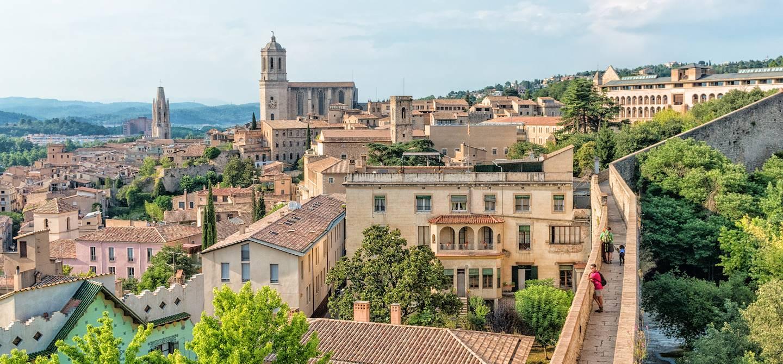 Vue sur la ville et la cathédrale Sainte-Marie de Gérone - Gérone - Catalogne - Espagne