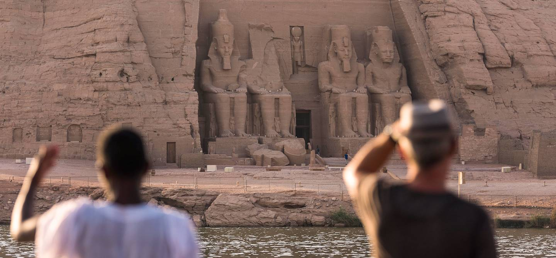 Vue sur les Temples d'Abou Simbel depuis la Flâneuse du Nil - Égypte