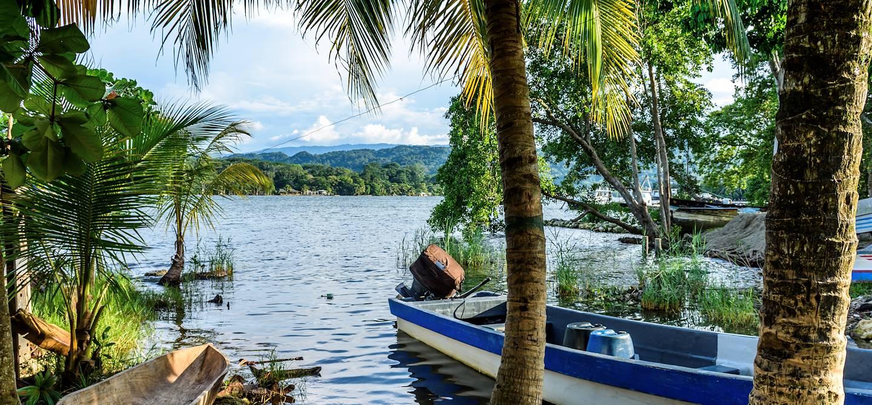 Bateau près de Livingston - Guatemala