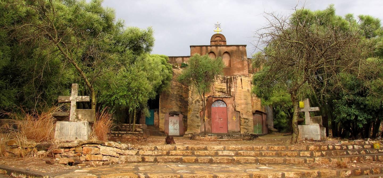 Route entre Mekele et Wukhro - Monasteres dans la roche - Ethiopie