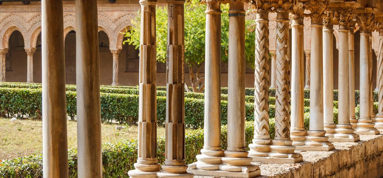 Cloître de la cathédrale de Monreale - Sicile - Italie