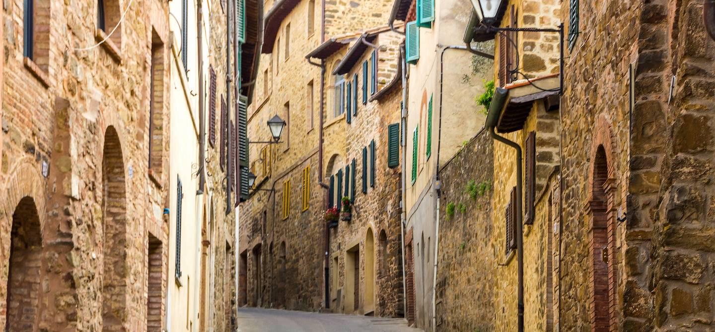 Dans les rues de Montalcino - Toscane - Italie