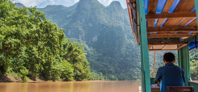 Descente de la Nam Ou en bateau traditionnel - Province de Luang Prabang - Laos