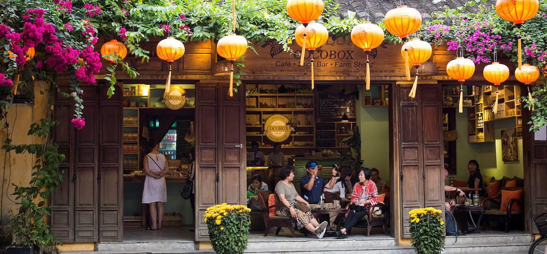 Bar branché dans le centre historique de Hoi An - Vietnam